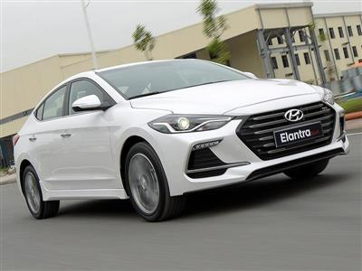 Hyundai ELANTRA SPORT 2.0AT